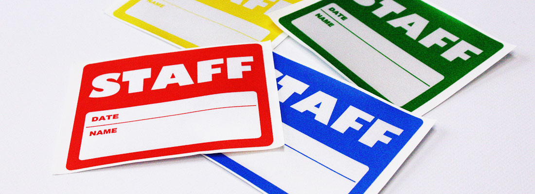 スタッフパスシール印刷(貼りパス/サテンシール/布シール/名札シール)